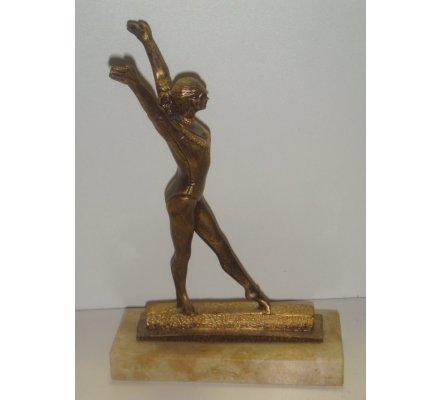 Trophée Gymastique Femme 22,5 cm - CR556
